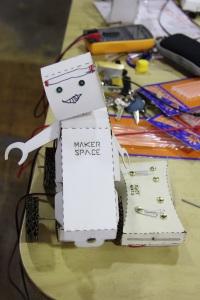 stgo_makerspace_miprimerrobot_24